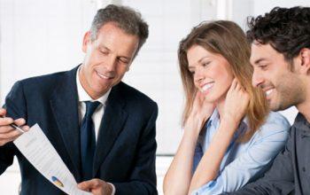 ¿Qué grado necesita un agente de seguros particulares en Getafe?